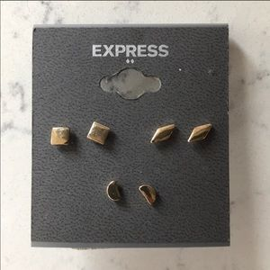 Express Gold Stud Earrings Set